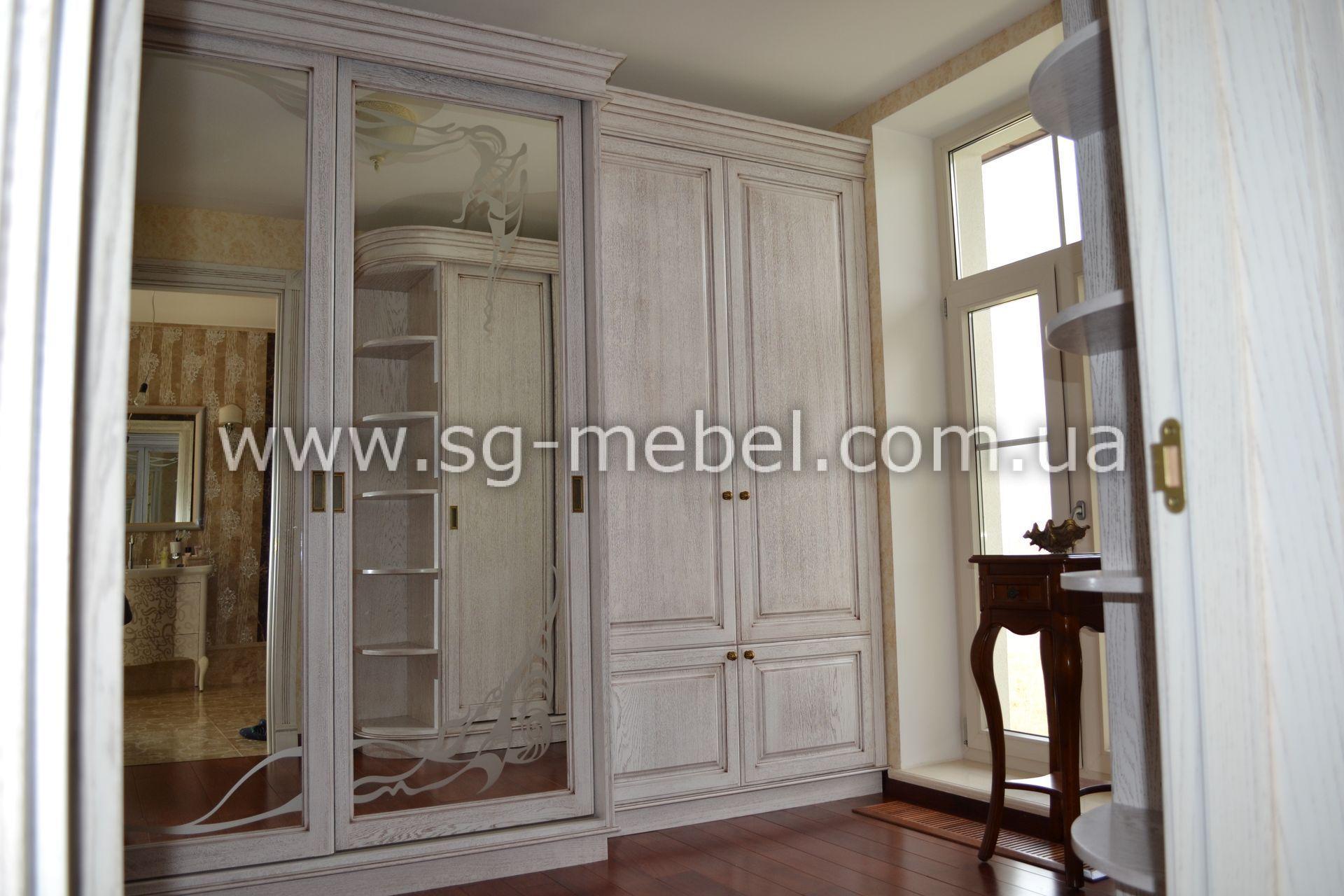 Шкафы из натурального дерева фото